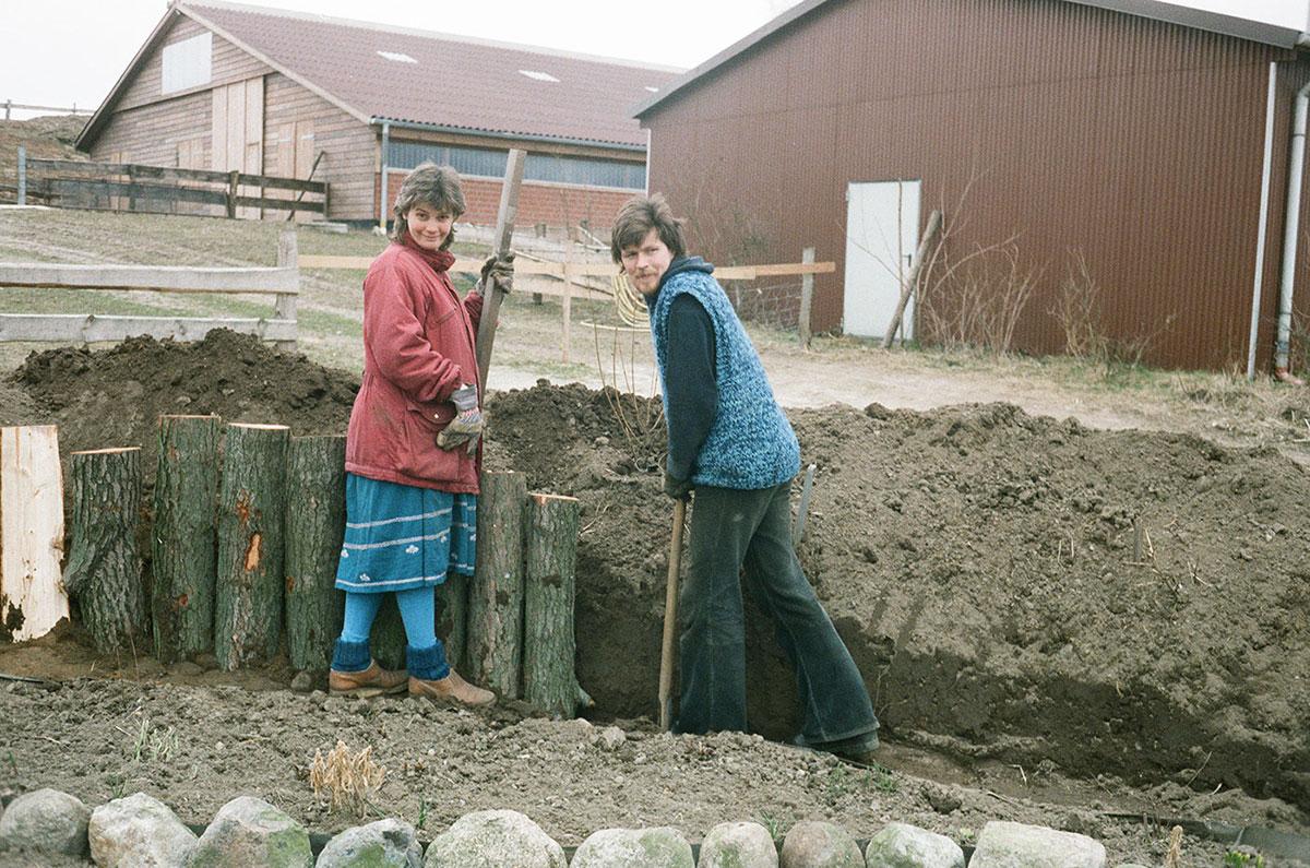 Heinz und Angelika 1985 auf dem Hof