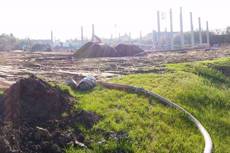 Momentaufnahme: Vom Regenwasserrückhaltebecken in Richtung Baustelle