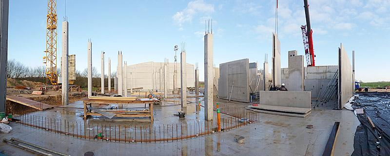 Baukastensystem: Die ersten Innenwände sind aufgestellt