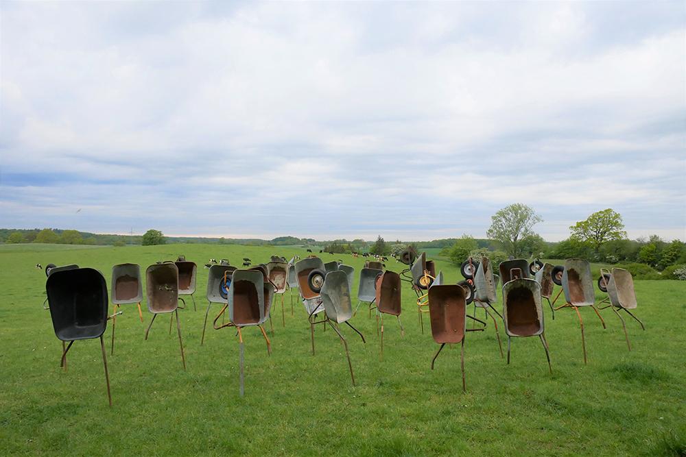 Aufstand der Karren - Installation von Tina Schwichtenberg