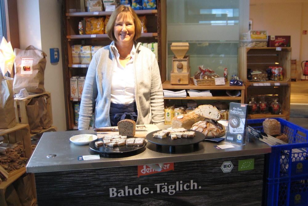 Am Stand der Bäckerei Bahde konnten verschiedene Brotsorten probiert werden